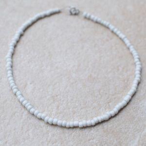 Jewelry - White seed bead choker